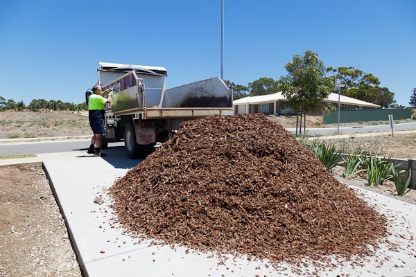 Yep, that's what 6 1/2 tonnes of bark mulch looks like.
